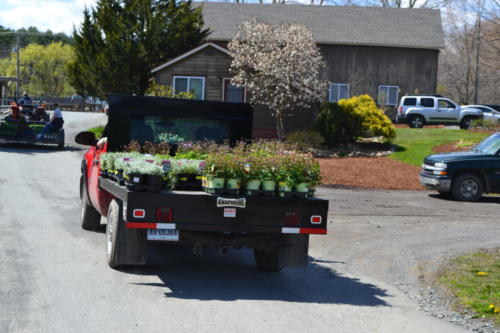 Matt-making-a-delivery-of-perennials-from-the-growing-range